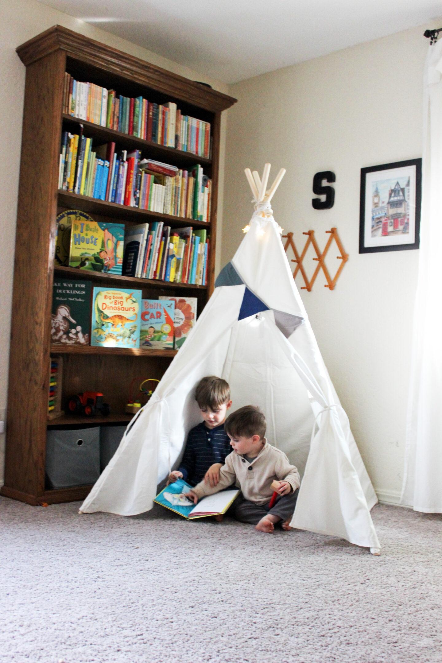 Simplify a boy's play room